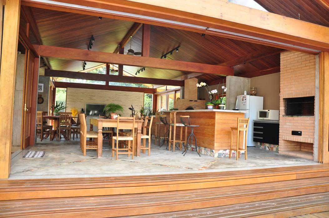 Balcones y terrazas rústicos de Lozí - Projeto e Obra Rústico