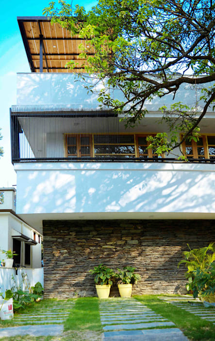 Manuj Agarwal Architects Residence cum Studio, Dehradun Country style houses by Manuj Agarwal Architects Country Stone