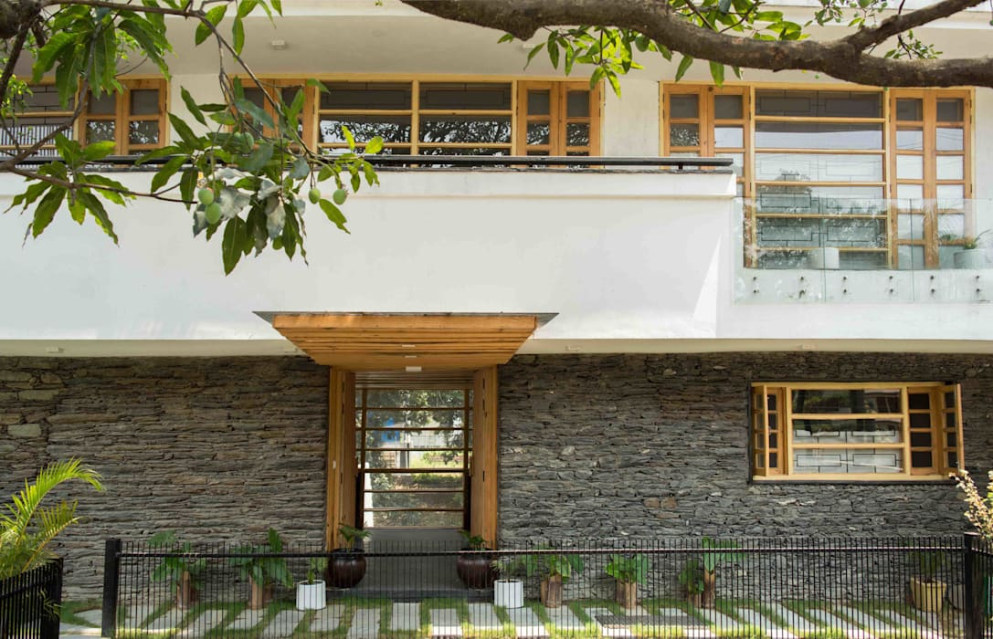 Manuj Agarwal Architects Residence cum Studio, Dehradun: country Houses by Manuj Agarwal Architects