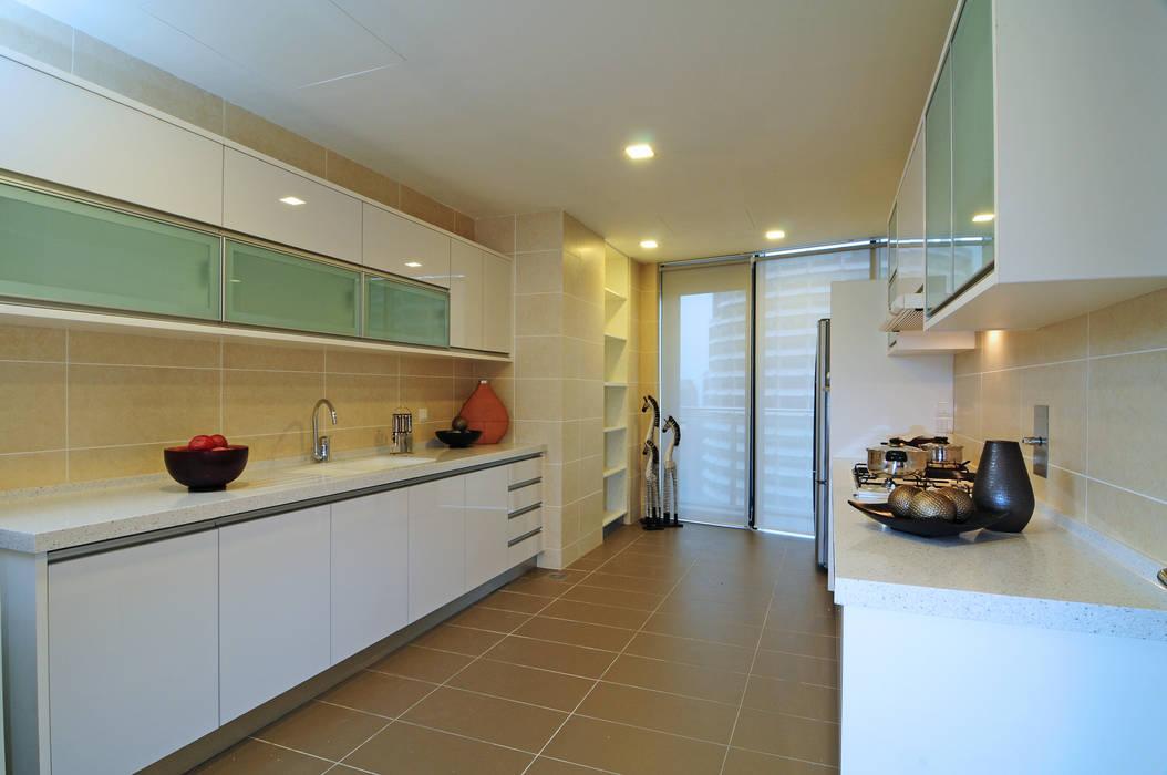 Retro Chic   CONDOMINIUM:  Kitchen by Design Spirits