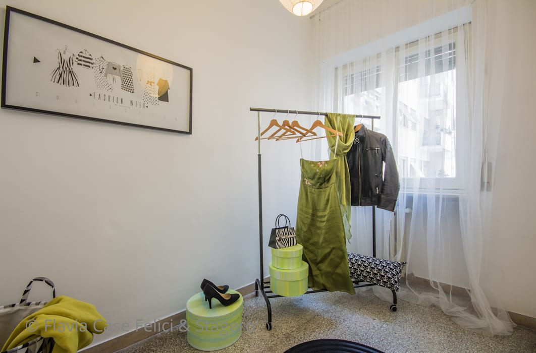 Classic style dressing room by Flavia Case Felici Classic