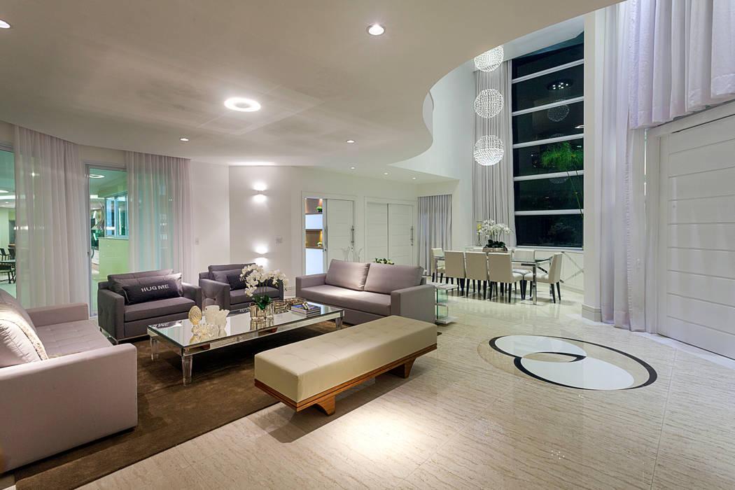 Wohnzimmer von Arquiteto Aquiles Nícolas Kílaris,