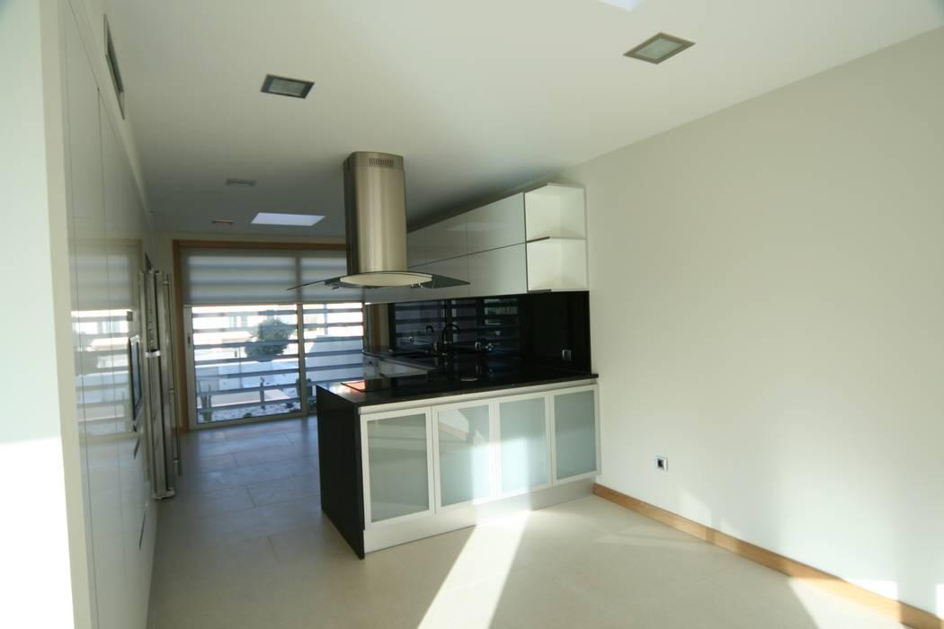 Casa 63 Quinta da Barra Casas modernas por José Vitória Arquitectura Moderno