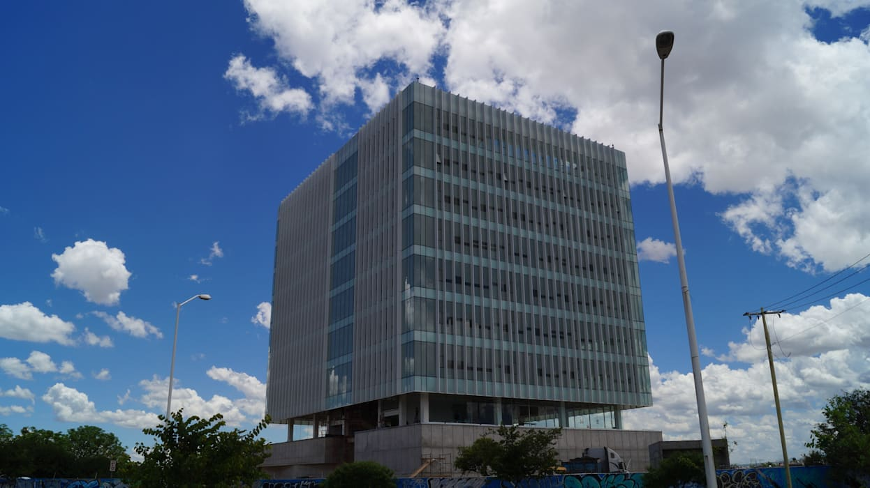 Edificio Aparmex: Casas de estilo moderno por Studio Glass