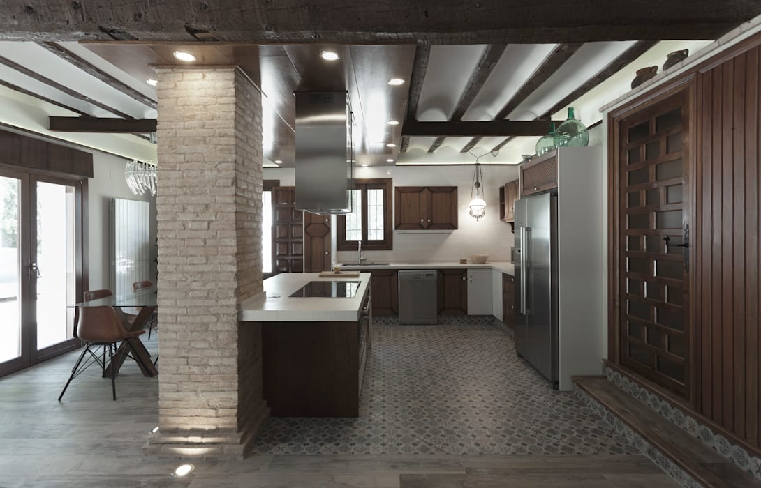 House on vineyards Rustic style kitchen by Raul Garcia Studio Rustic