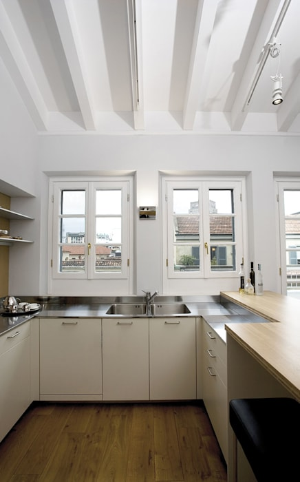 cucina più che finestrata PAZdesign Cucina moderna