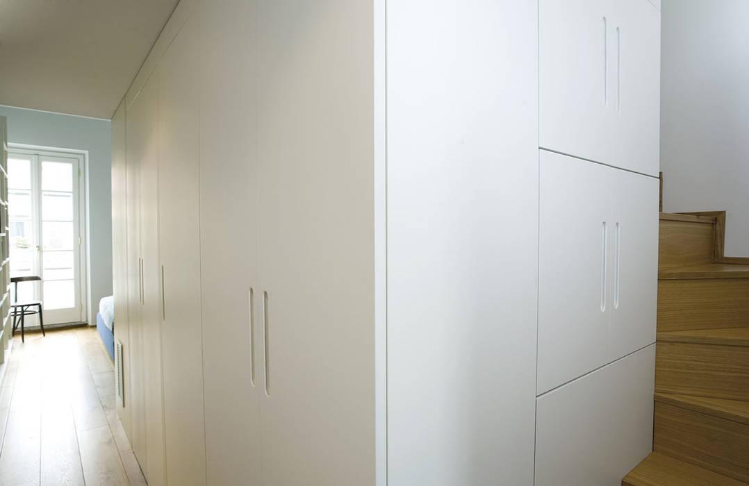 PAZdesign Modern style bedroom Wood