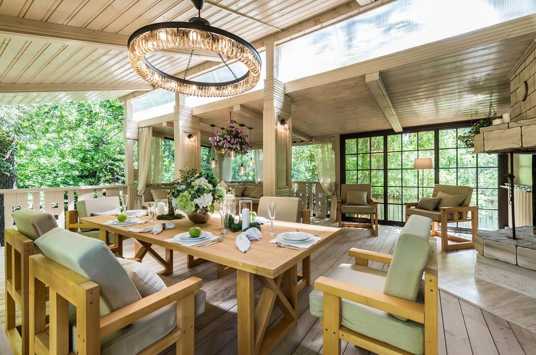 Industrialny balkon, taras i weranda od Tony House Interior Design & Decoration Industrialny