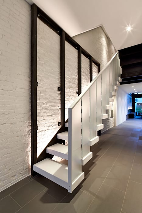 Salt + Pepper House Modern Corridor, Hallway and Staircase by KUBE Architecture Modern