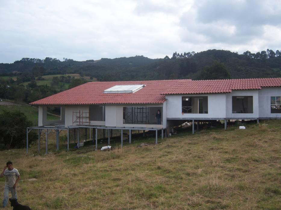 Casas Campestres: Casas de estilo  por Sistemas de construcción enceco