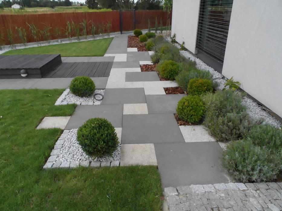 Modern Garden by Empart Ogrody Modern