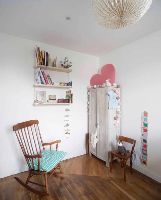 Chambre d'enfant 01: Chambre d'enfant de style de style Classique par Olivier Olindo Architecte