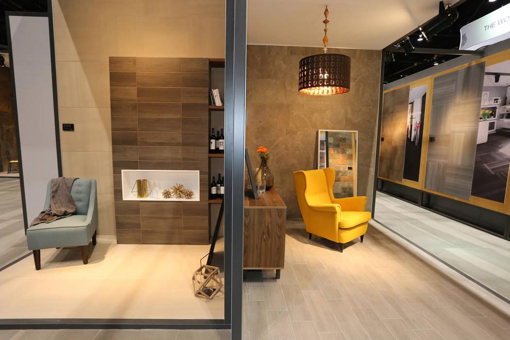 Stand Coleccion Nuevo Leon - Local 10 Arquitectura  Estudios y oficinas de  estilo por Local 742696960e4