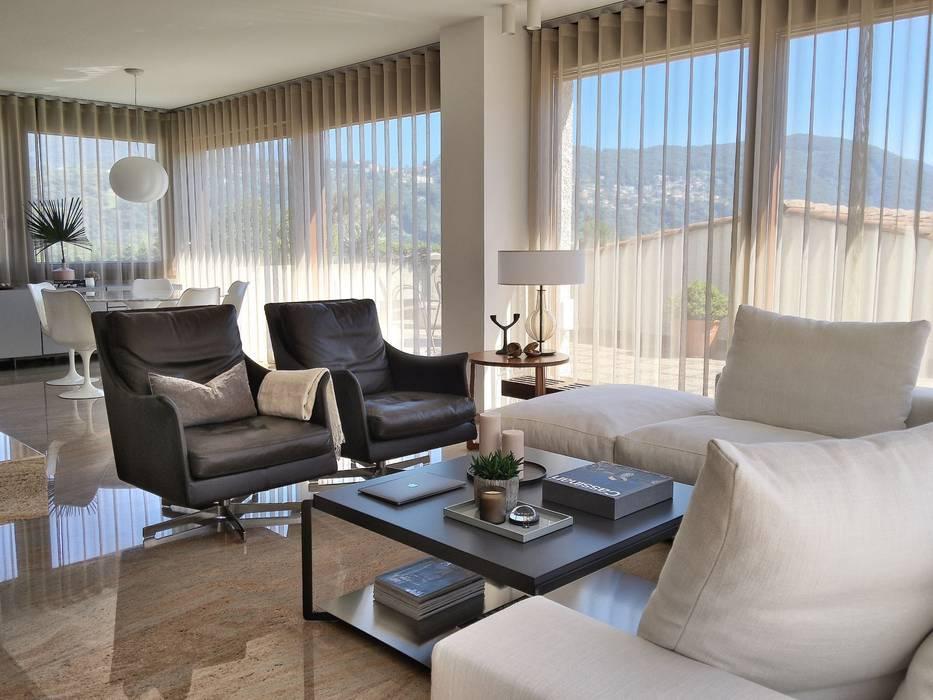 Swiss penthouse, effortless restyling Modern Living Room by MD Creative Lab - Architettura & Design Modern Granite