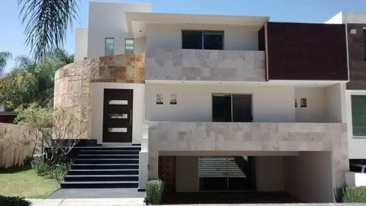 Valle Real Almendros: Casas de estilo  por Arki3d