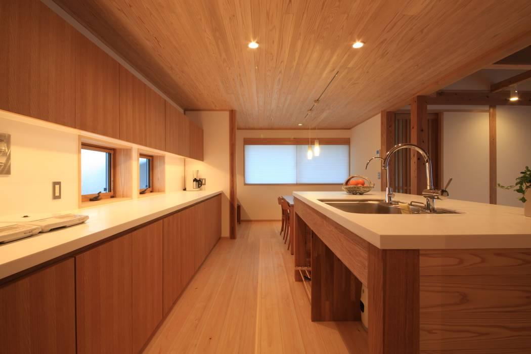 金山の家 群馬県太田市: 田村建築設計工房が手掛けたキッチンです。,