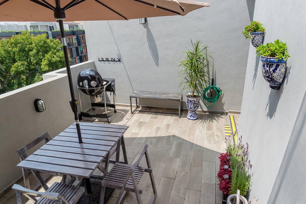Choapan Decor by Erika Winters®Design Erika Winters® Design Rustikaler Balkon, Veranda & Terrasse