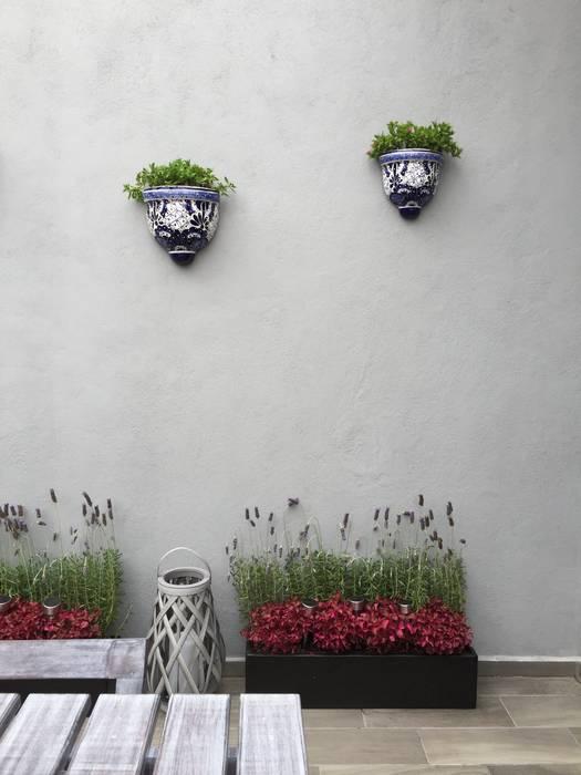 Choapan Decor by Erika Winters®Design Rustic style balcony, veranda & terrace by Erika Winters® Design Rustic