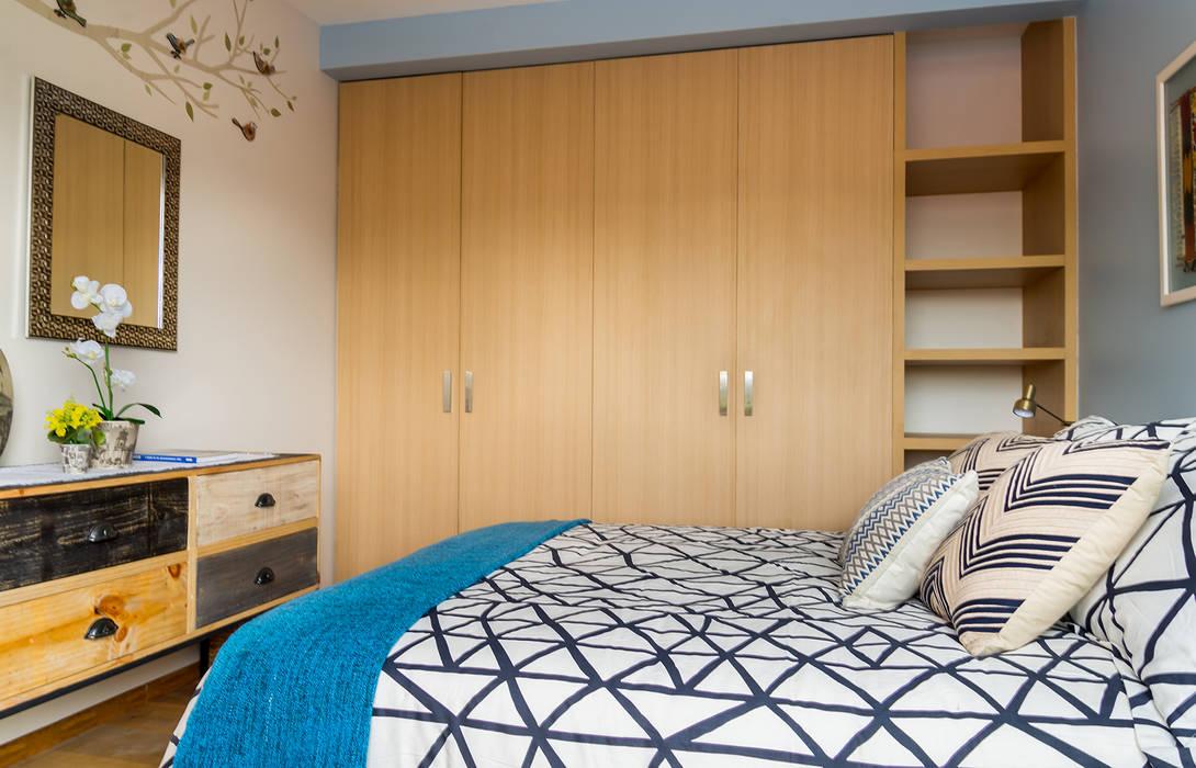 Dormitorios de estilo  de Erika Winters® Design, Moderno