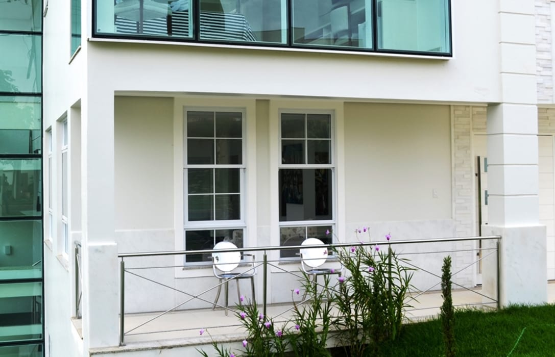 Rumah Modern Oleh Atelier Plural Modern Kaca