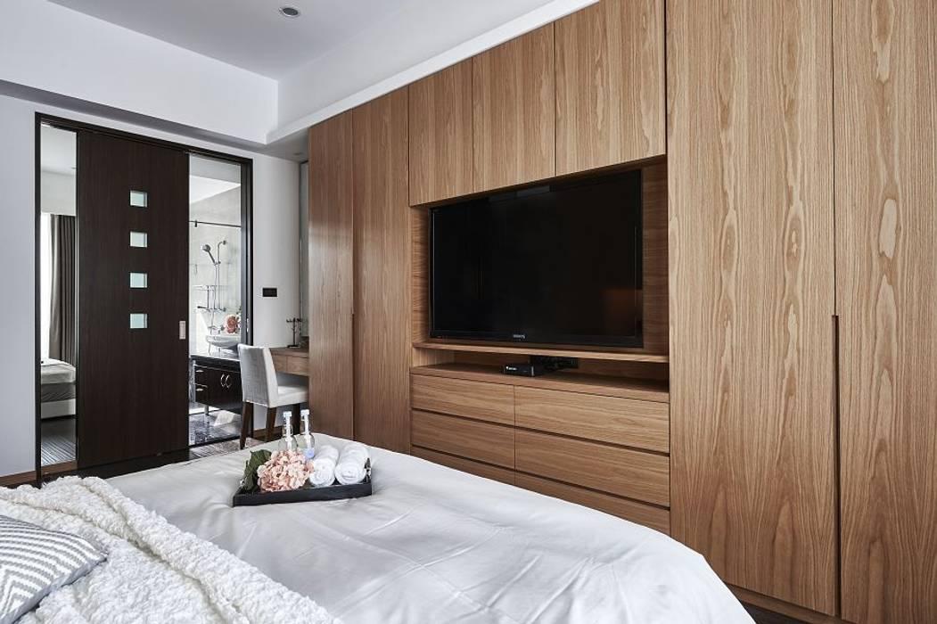 Dormitorios de estilo  por KD Panels,