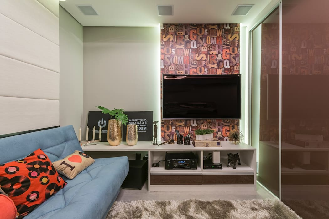 Modern media room by Lo. interiores Modern