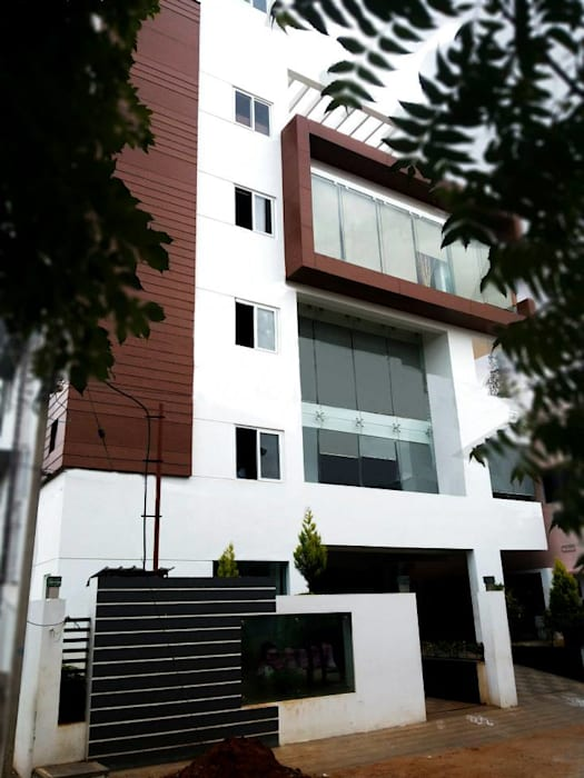 Anil Semiya Corporate Offices:  Office buildings by Design Quest Architects,