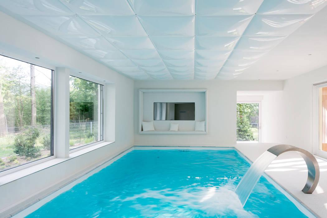 Modern Pool by sebastian kolm architekturfotografie Modern
