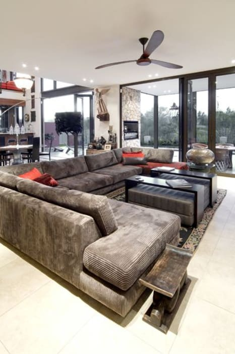 Living room by Spiro Couyadis Architects, Modern