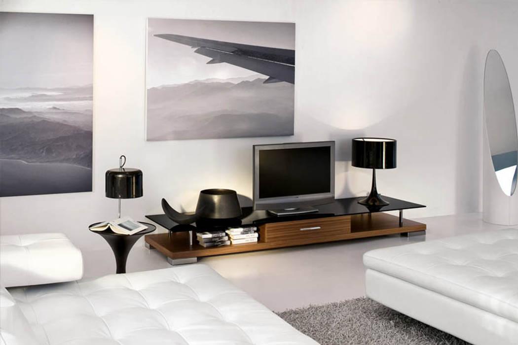 Phòng giải trí theo Innovate Interiors & Fabricators,