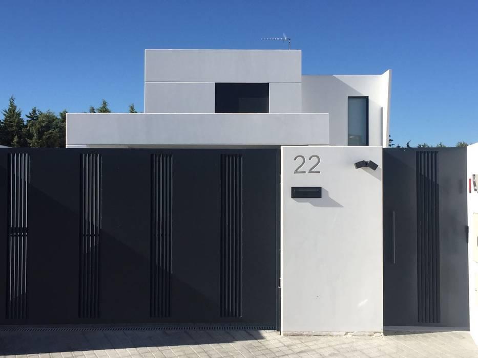 Unifamiliar Adosada en Villanueva de La Cañada (Madrid) Casas de estilo moderno de MODULAR HOME Moderno