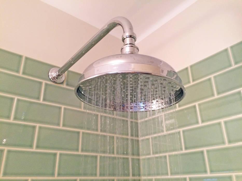 Shower Head Detail Salle de bain rurale par Absolute Project Management Rural