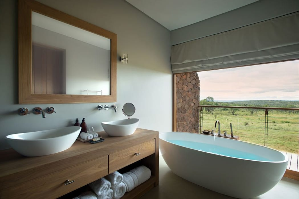 All In Badkamer : Mhondoro een lodge in zuid afrika: badkamer door all in living homify