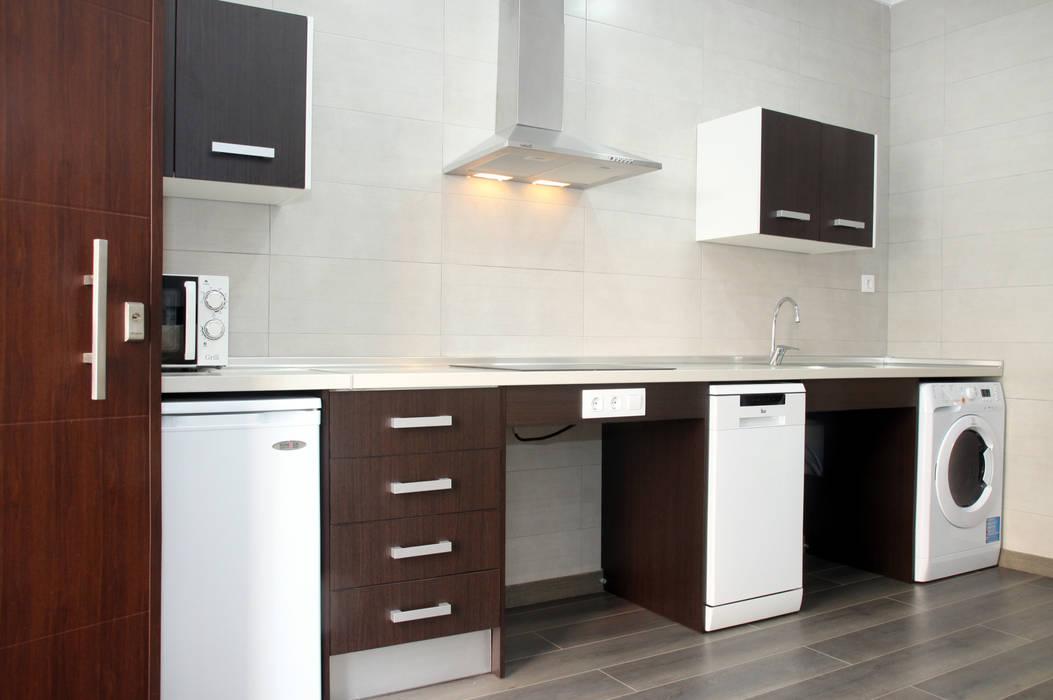 Mohedano Estudio de Arquitectura S.L.P. 現代廚房設計點子、靈感&圖片
