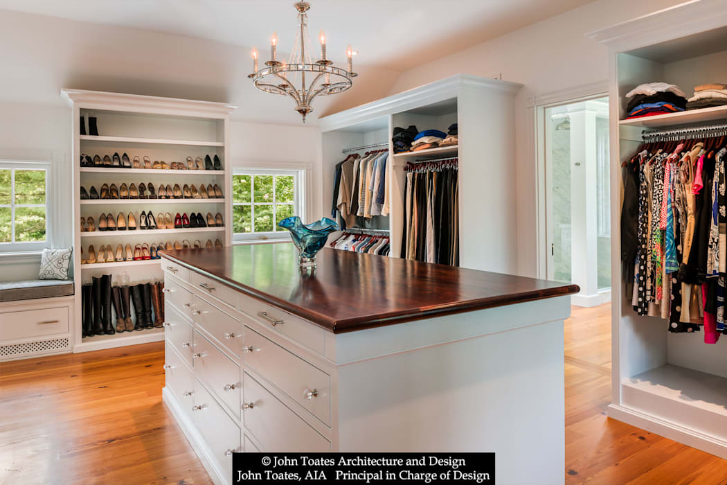 Dressing Room Classic style dressing room by John Toates Architecture and Design Classic