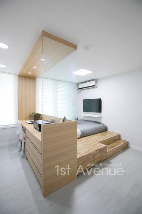 Dormitorios de estilo  de 퍼스트애비뉴, Moderno