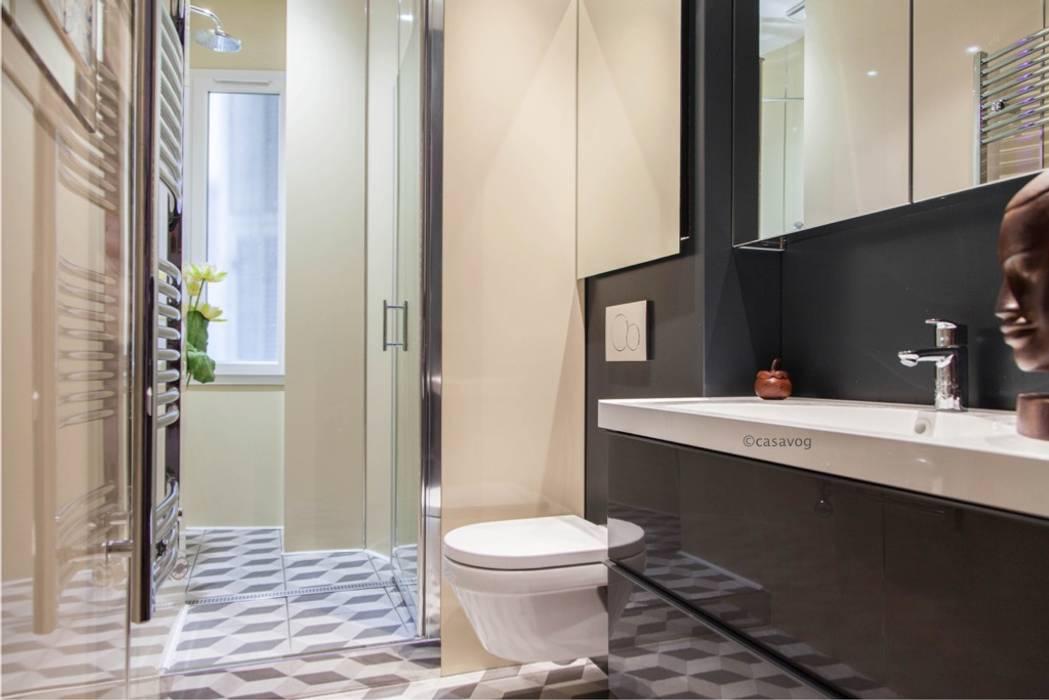 salle d'eau: Salle de bains de style  par Casavog