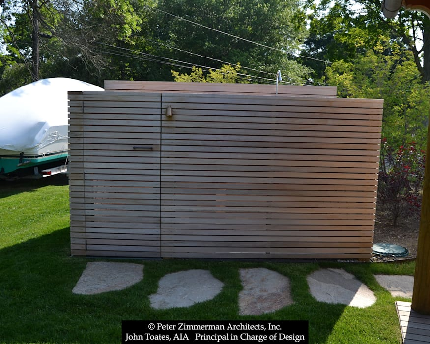 Outdoor Shower توسط John Toates Architecture and Design کلاسیک