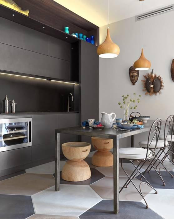 cucina a vista: Cucina in stile in stile Mediterraneo di architettotorregrossa