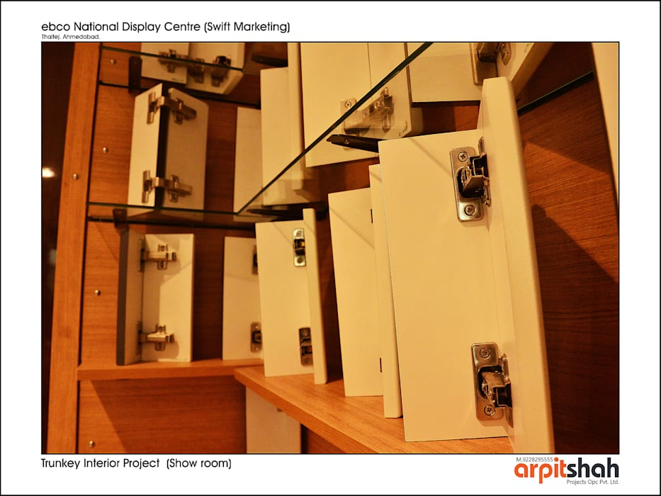 ebco Showroom @ Thaltej, SG Mall by ARPIT SHAH PROJECTS OPC PVT LTD.