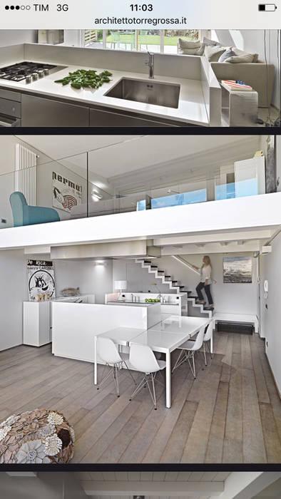 cucina a vista: Cucina in stile in stile Moderno di architettotorregrossa