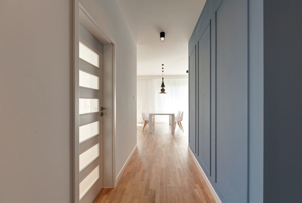 Pasillos, vestíbulos y escaleras de estilo clásico de Perfect Space Clásico