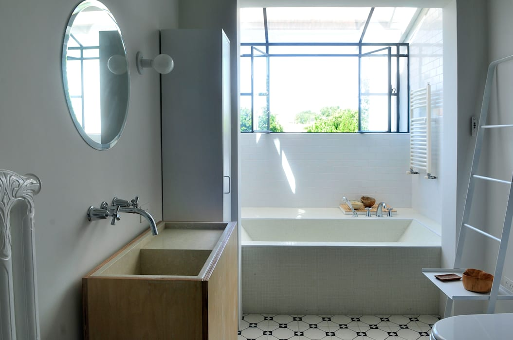 Baños de estilo moderno de Paula Herrero | Arquitectura Moderno