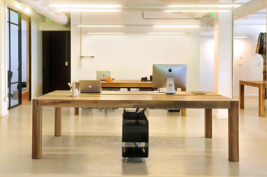 Industrial style study/office by Paula Herrero   Arquitectura Industrial