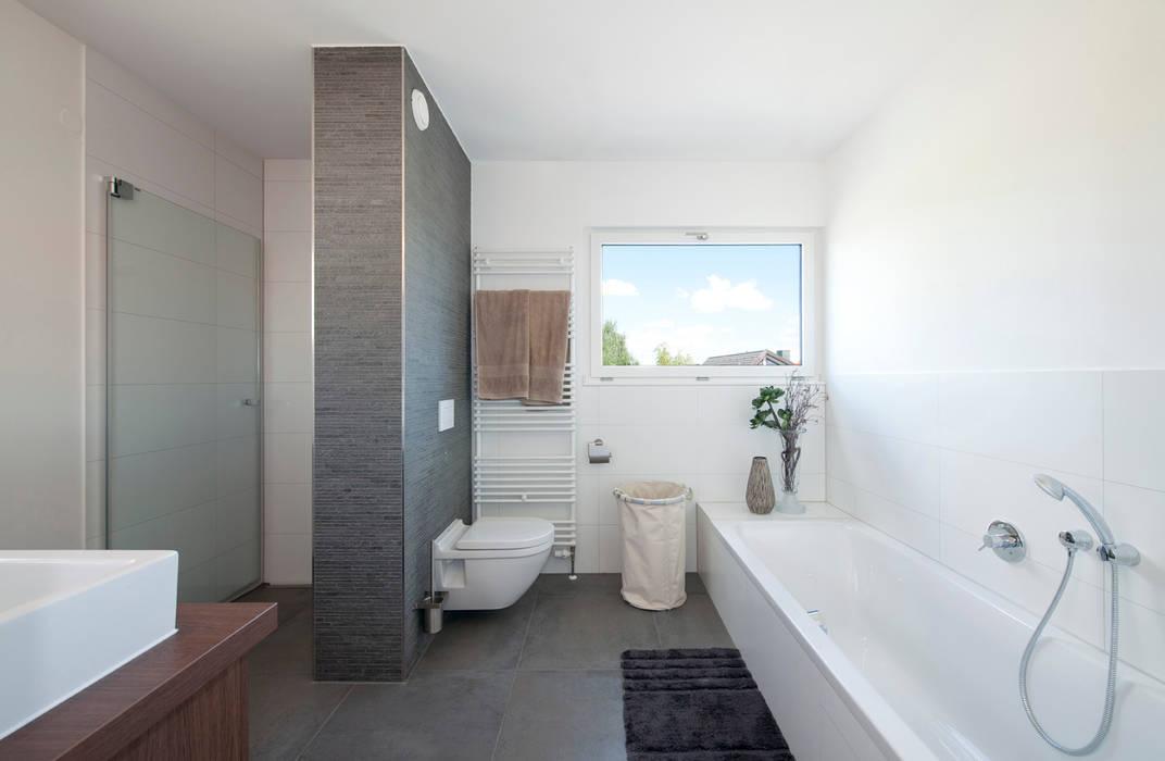Wellnessbad mit begehbarer dusche: badezimmer von ...