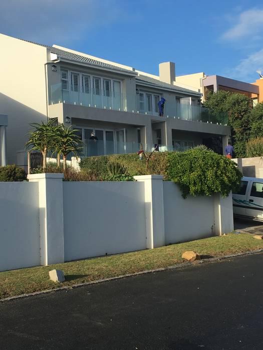 De Kelders Residence Hermanus Western Cape:  Houses by CS DESIGN