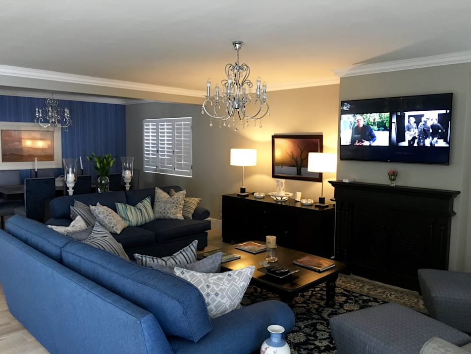 De Kelders Residence Hermanus Western Cape:  Living room by CS DESIGN,