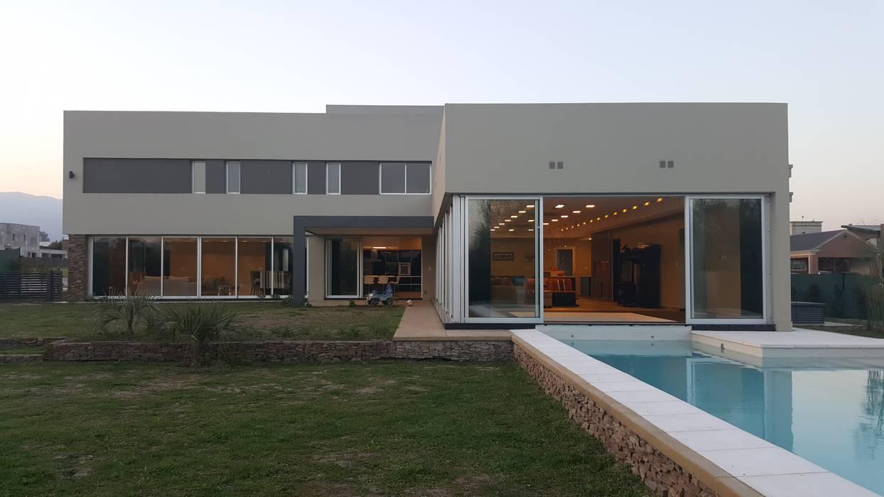 Contrafrente: Casas de estilo  por Saleme Sanchez Arquitectos