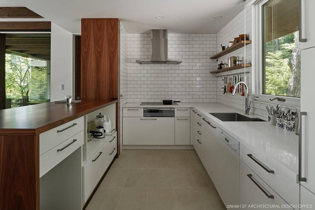 atelier137 ARCHITECTURAL DESIGN OFFICE Kitchen Ceramic White
