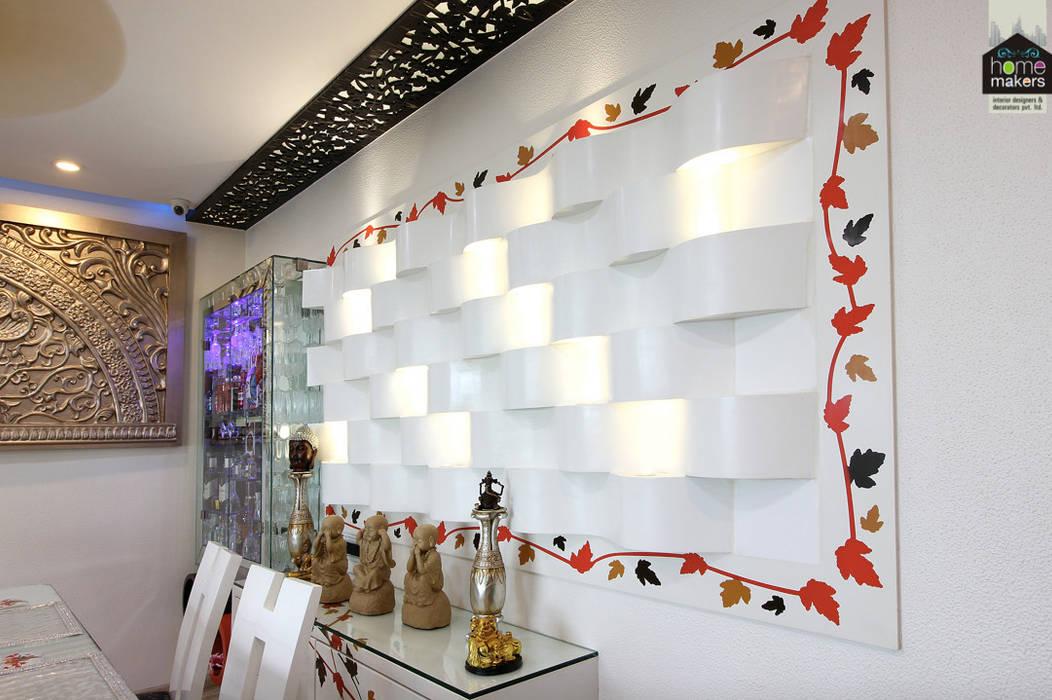 Mural - Living Room:  Living room by home makers interior designers & decorators pvt. ltd.
